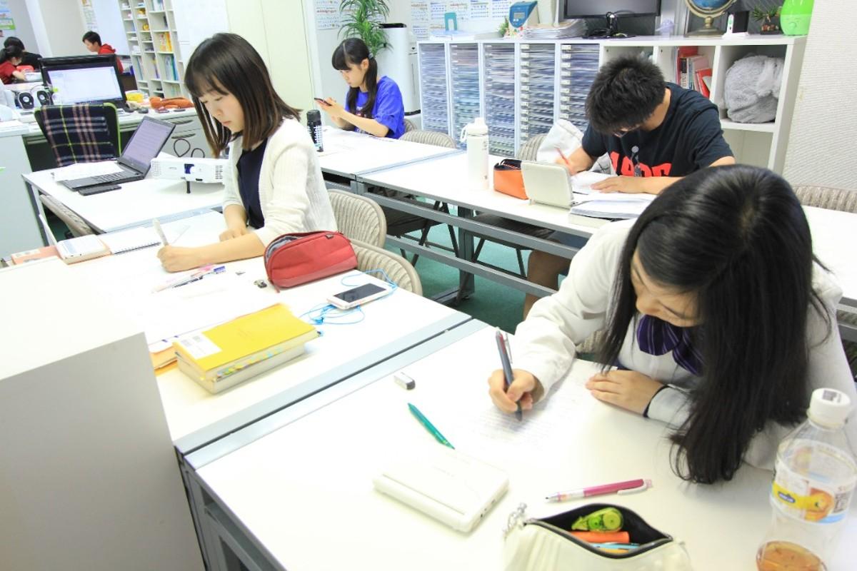 勉強することが好きになる塾 TALKゼミナール 神楽坂教室